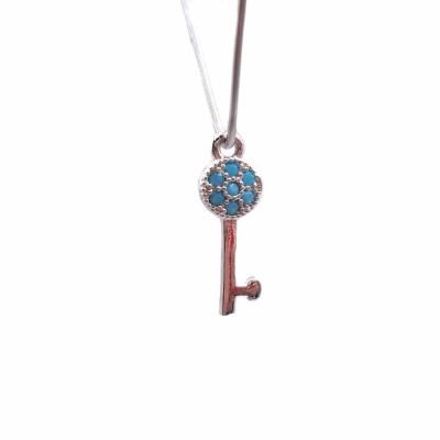 Charms chiave in ottone con strass azzurri 14.8x5 mm 1 pz