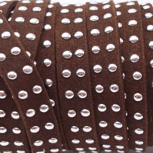 Laccetto alcantara borchiato | Laccetto in alcantara borchiato marrone 10 mm pacco 1 metro - zf033